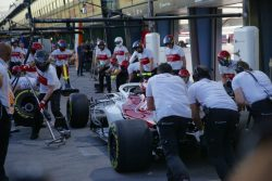 Sauber pit stop practice Pic by David Dymock