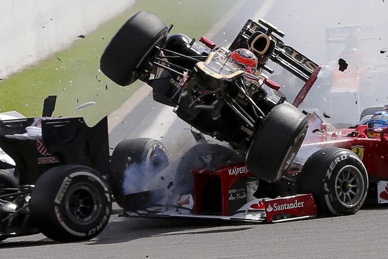 Roam Grosjean doing Roman Grosjean type things