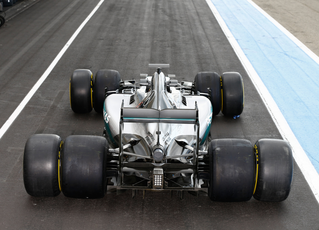2015 Mercedes with 2017 tyres for comparison