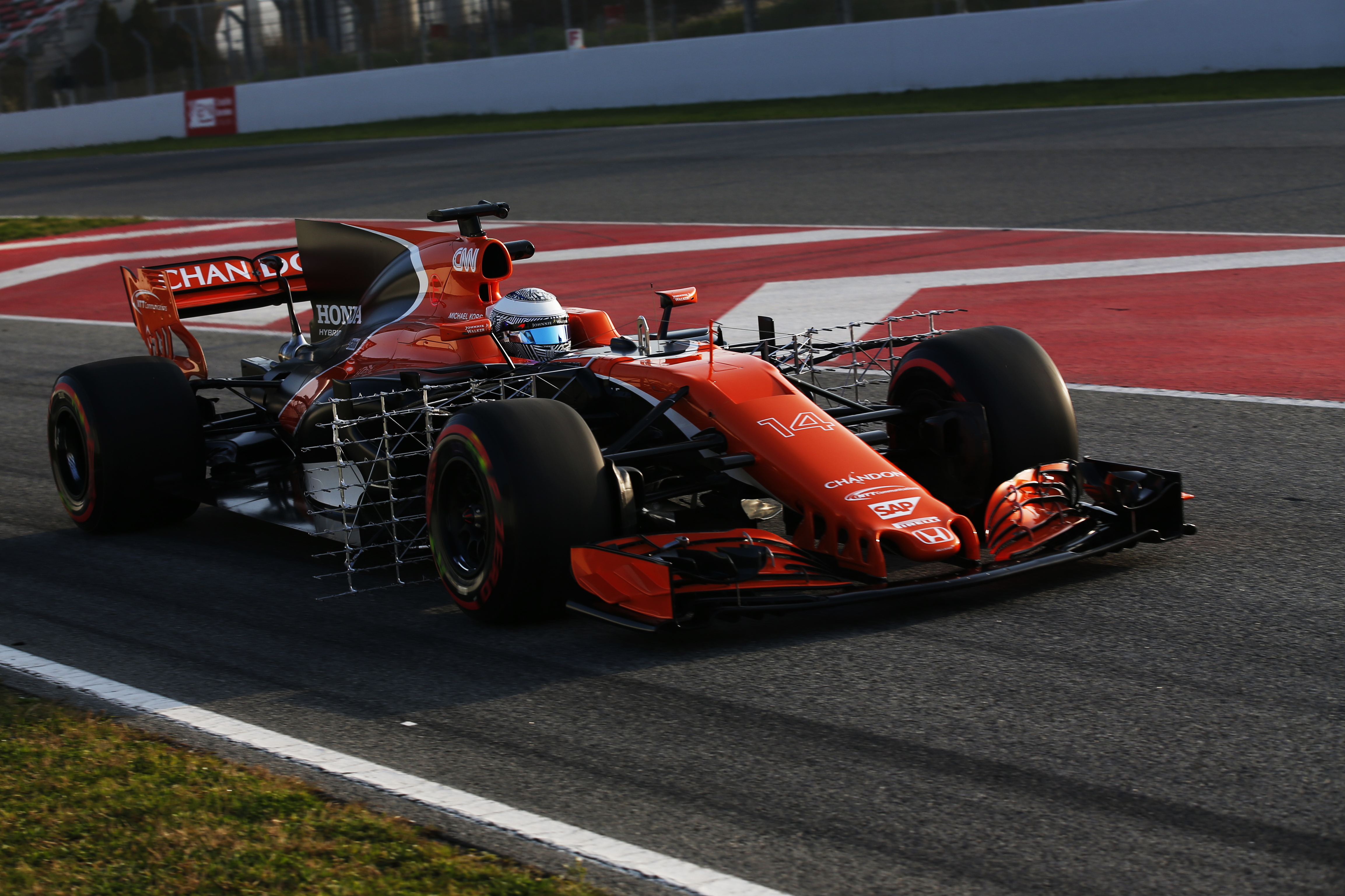 McLaren's MCL 32