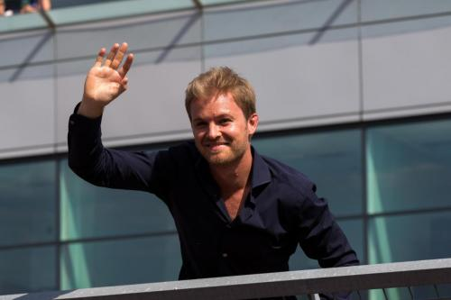 Nico waves to the crowd - Pic by Ryan Kenna